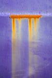 Escape alaranjado da corrosão da oxidação do CCB roxo bonito da quebra da pintura imagem de stock royalty free