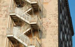 Escape de incêndio do edifício Imagens de Stock