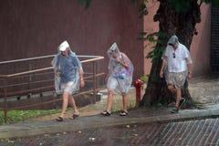 Escape de la lluvia Fotografía de archivo