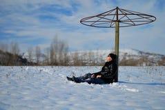 Escapist onder het zonnescherm Royalty-vrije Stock Foto