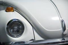 Escarabajo blanco de Volkswagen   Imágenes de archivo libres de regalías