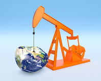 Escasez de los recursos petrolíferos - elementos de esta imagen equipados cerca Foto de archivo libre de regalías