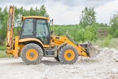 Escavação da máquina escavadora fotos de stock royalty free