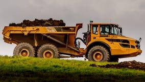 Escavador amarelo gigante foto de stock