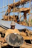 Escavadores de ouro em Indonésia em uma ilha Bornéu Imagem de Stock