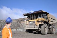 Escavando para fora o carvão Foto de Stock Royalty Free
