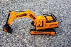 Escavatore del giocattolo fotografie stock libere da diritti