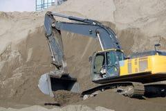 Escavatore industriale in sabbionaia immagine stock libera da diritti