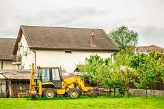 Escavatore nell'iarda Fotografie Stock