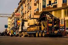 Escavatore On Trailer Fotografia Stock Libera da Diritti