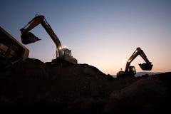 2 escavators работая на шахте Стоковые Фотографии RF