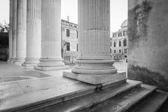 Escena blanco y negro de la calle en Venecia, Italia fotos de archivo libres de regalías