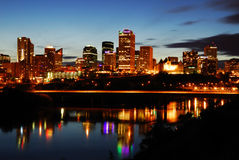 Escena céntrica de la noche de Edmonton imagen de archivo libre de regalías