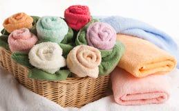 Escena con las toallas de baño Fotos de archivo