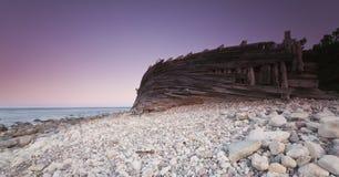 Escena crepuscular de la costa. Costa costa sueca. fotografía de archivo libre de regalías