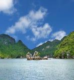 Escena de la bahía de Halong Imagenes de archivo