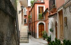 Escena de la calle, Abruzos, Italia foto de archivo libre de regalías