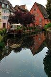 Escena de la calle de la ciudad de Colmar, Francia Imagen de archivo