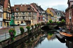 Escena de la calle de la ciudad de Colmar, Francia Fotografía de archivo libre de regalías