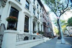 Escena de la calle de las alturas de Brooklyn fotos de archivo