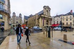 Escena de la calle en Dijon imágenes de archivo libres de regalías