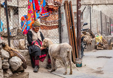 Escena de la calle en Leh, Ladakh, la India Fotos de archivo