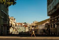 Escena de la calle en Lisboa, Portugal julio de 2015 Foto de archivo