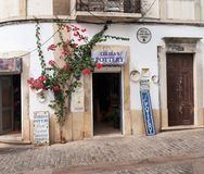 Escena de la calle en Loule Portugal foto de archivo libre de regalías