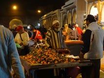 Escena de la calle de Essaouira Medina, Marruecos Imagen de archivo
