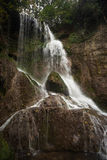 Escena de la cascada del verano fotografía de archivo libre de regalías