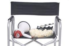 Escena de la cinematografía con la silla del director, cine de la pizarra Fotos de archivo
