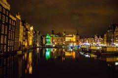 Escena de la ciudad de la noche de Amsterdam Imágenes de archivo libres de regalías
