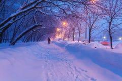Escena de la ciudad del invierno de la noche Imagenes de archivo