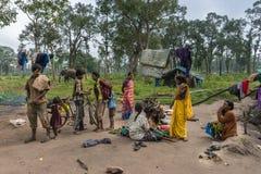 Escena de la familia en el campo del elefante de Dubare, Coorg la India Imágenes de archivo libres de regalías