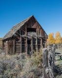 Escena de la granja del vintage en otoño fotos de archivo libres de regalías