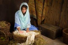 Escena de la natividad en pesebre Imagen de archivo