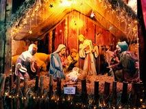 Escena de la natividad de la Navidad con el bebé foto de archivo