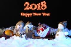 Escena de la Navidad con las decoraciones de los juguetes Años Nuevos de concepto del día de fiesta Imagen de archivo