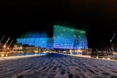Escena de la noche de Harpa Concert Hall en Reykjavik Fotos de archivo libres de regalías