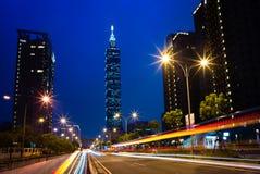 Escena de la noche de la ciudad de Taipei Fotos de archivo