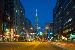 Escena de la noche de la ciudad de Taipei Fotografía de archivo