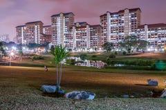 Escena de la noche de la construcción de viviendas Foto de archivo libre de regalías