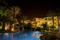 Escena de la noche de la piscina Fotografía de archivo