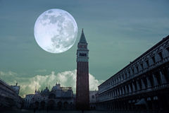 Escena de la noche de San Marco Plaza en Venecia Italia fotografía de archivo libre de regalías