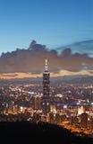 Escena de la noche de Taipei Fotos de archivo libres de regalías