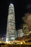 Escena de la noche del edificio del asunto Fotos de archivo libres de regalías