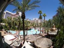 Escena de la piscina en el casino y el hotel L.V. del flamenco. Imágenes de archivo libres de regalías