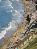 Escena de la playa de Whitby imagenes de archivo