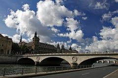 Escena de la prisión y de Seine, París del Bastille Imagen de archivo