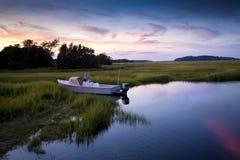 Escena de la puesta del sol de la pesca Imagen de archivo